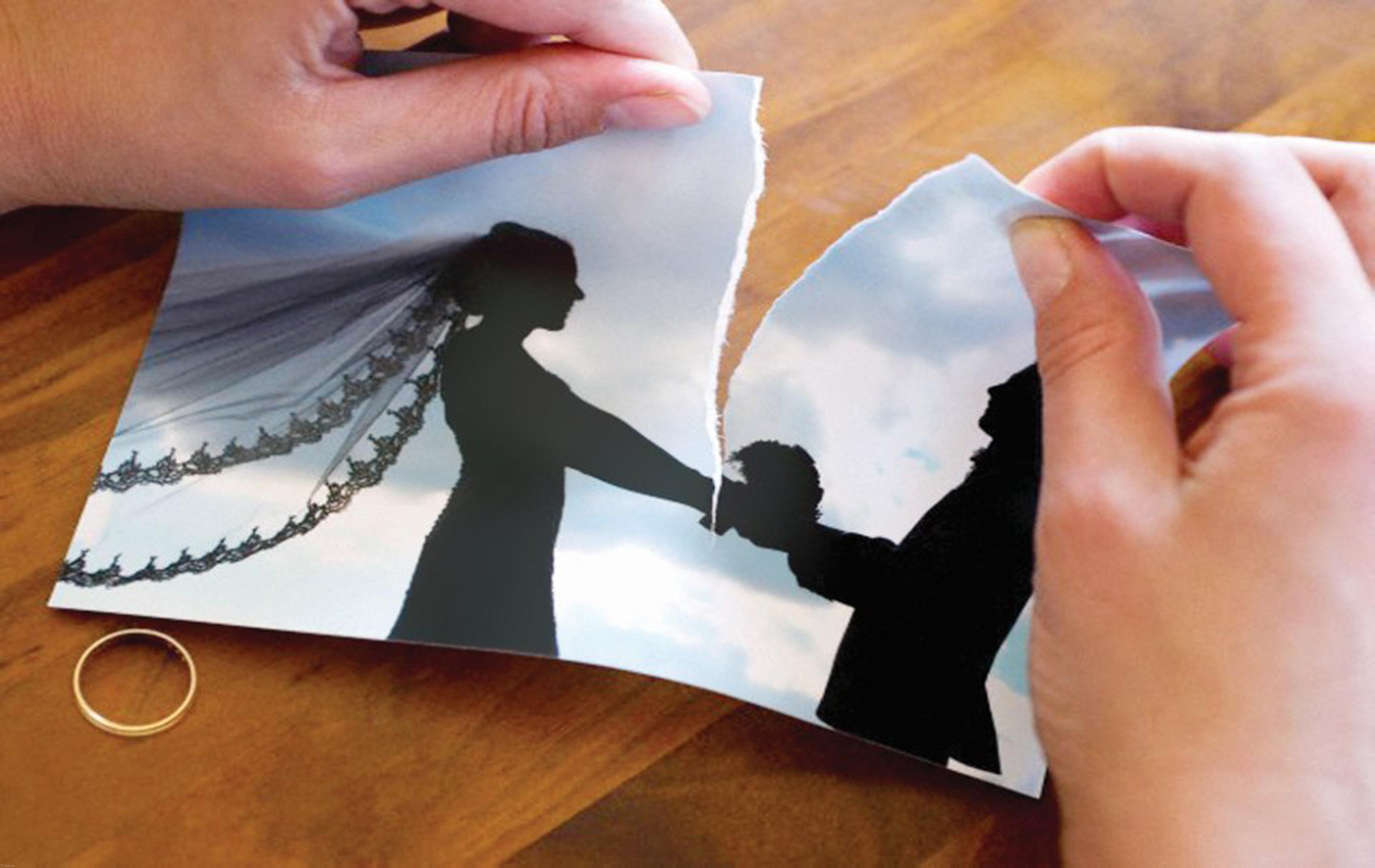 نصف کردن خانه بعد از طلاق این زوج (+عکس)