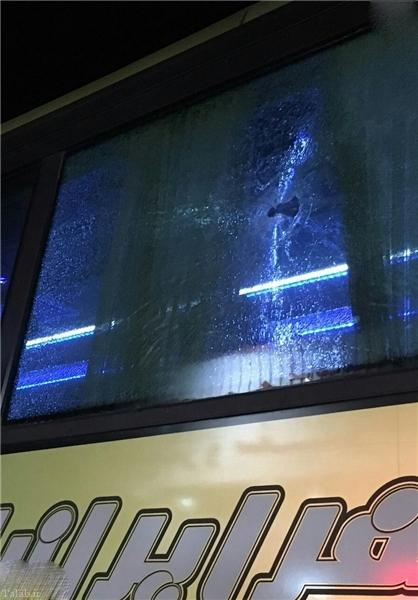 هجوم به اتوبوس قهرمانان شطرنج ایران (+عکس)