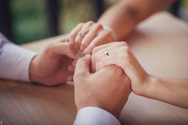 روی نقاط ضعف همسر خود انگشت نگذاریم