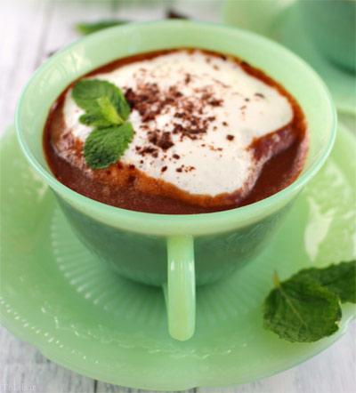 طرز تهیه کاپوچینو با شکلات سفید و کارامل