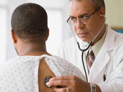 علایم سرطان بیضه چیست؟