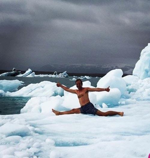 مردی عجیب که سرمای هوا بر او اثر ندارد (+عکس)
