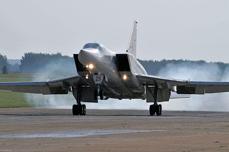 بمب افکن Tu-22M