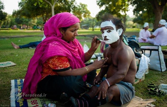 چارلی چاپلین جالب کوچک در هند (عکس)