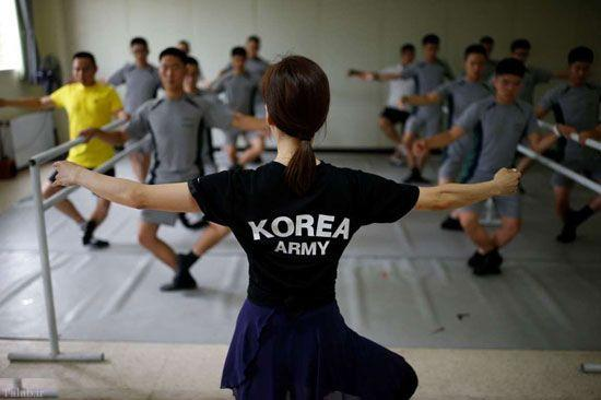 تمرین عجیب و جالب سربازان مرزی کره (+عکس)