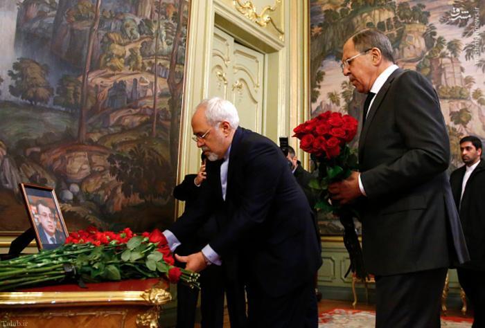 ادای احترام محمد جواد ظریف به سفیر ترور شده روسیه + عکس