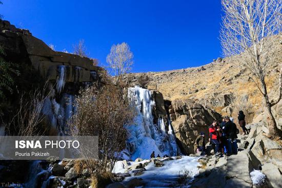 تصاویر زیبا و دیدنی از یخ زدن آبشار گنجنامه