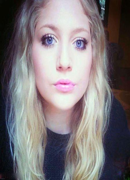 دختر خوشگلی که ادعا دارد زشت است + عکس