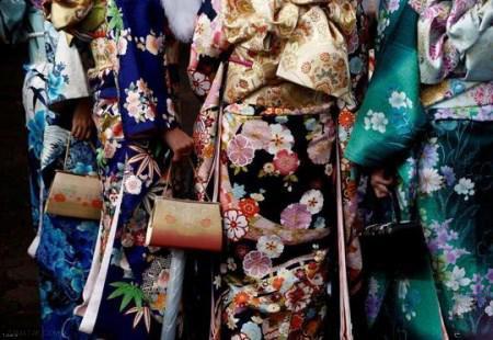 جشن دختران به بلوغ رسیده و باکره ی ژاپنی + عکس