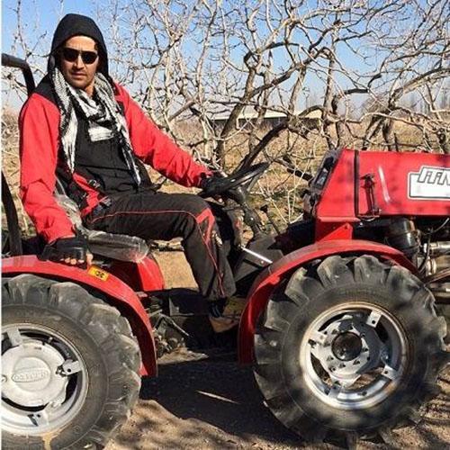 بازیگر مشهور ایرانی از بیکاری به کشاورزی روی آورد + عکس