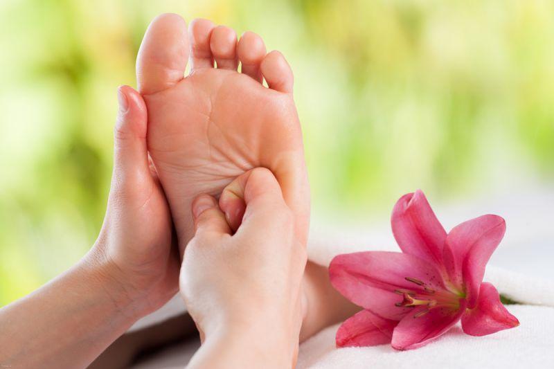 8 فواید جالب ماساژ دادن پا