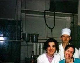 عکس گرفتن این خانوم دکتر در اتاق عمل روسیه سوژه شد + عکس