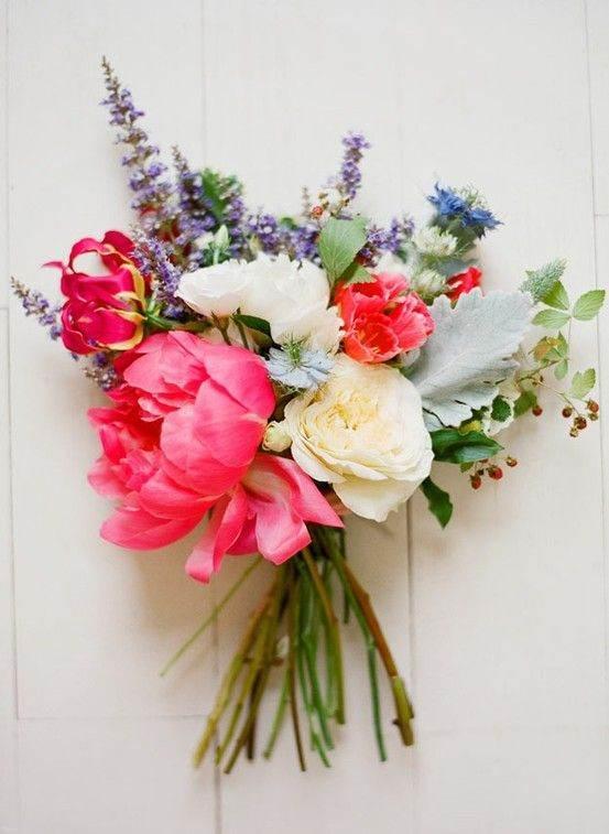 معرفی مدل های زیبا و خاص دسته گل عروس 1399