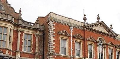 تعرض جنسی 4 پسر جوان به دختر باکره در پارک انگلیس