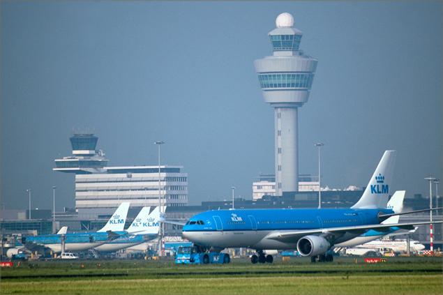 شش مسافر ایرانی سرگردان فرودگاه آمستردام