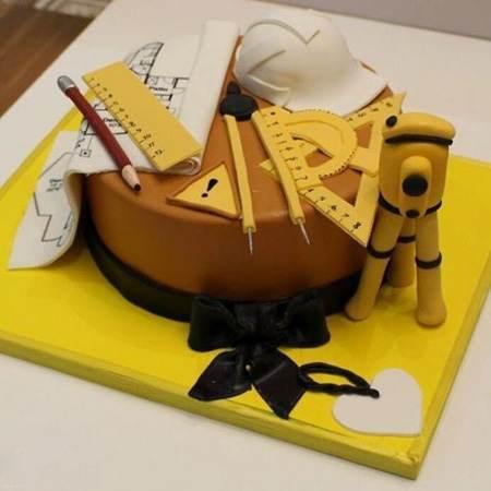معرفی انواع تزئین های کیک برای روز مهندس