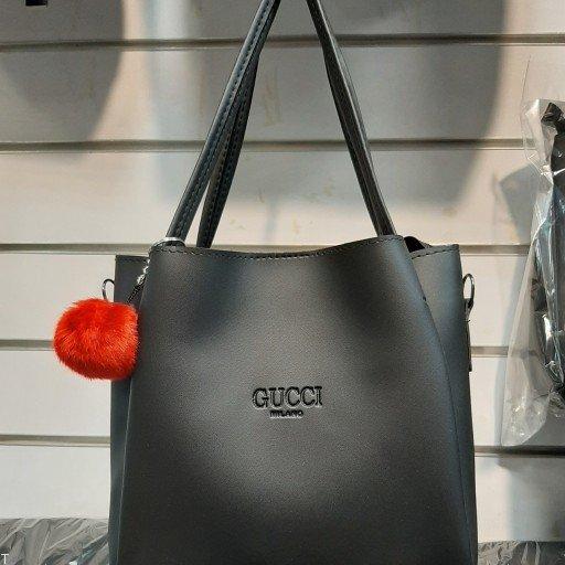 ضررهای ناشی از برداشتن و حمل کردن کیف های سنگین در زنان