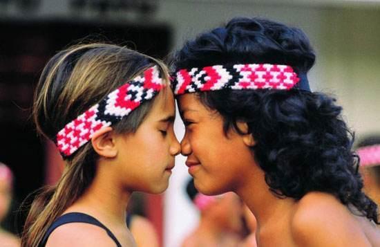 رسم و رسوم جالب سلام کردن کشور ها گوناگون دنیا