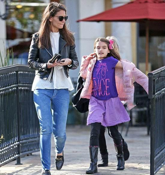 عکس جدید کتی هولمز و فرزندش در خیابان