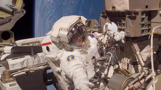 رکورد فوق العاده از پیرزن 57 ساله در فضا