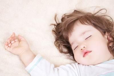 از چه راهی فرزندمان را راس ساعت 9 بخوابانیم ؟