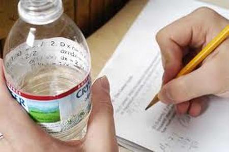 تصاویر تقلب کردن حرفه ای دانشجویان سر جلسه امتحان