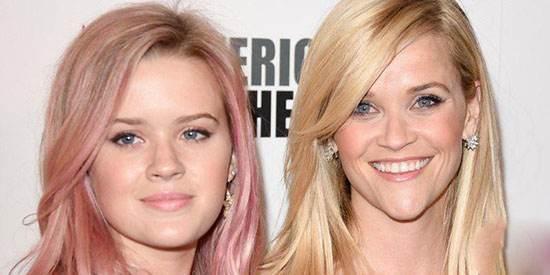 این مادر و دختر خیلی به هم شبیه اند