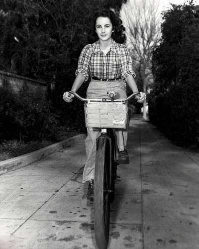 تصاویر داغ از الیزابت تیلور بازیگر زن سینمای ماندگار هالییود