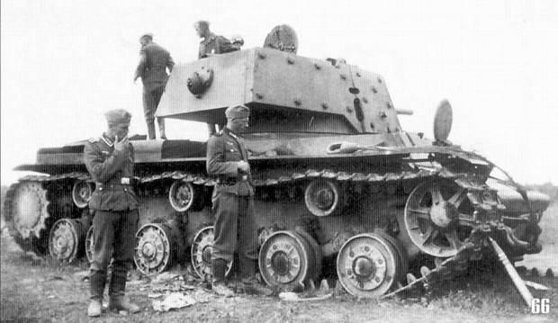 اختراعات نظامی روسیه که بسیار عجیب ساخته شده اند (عکس)