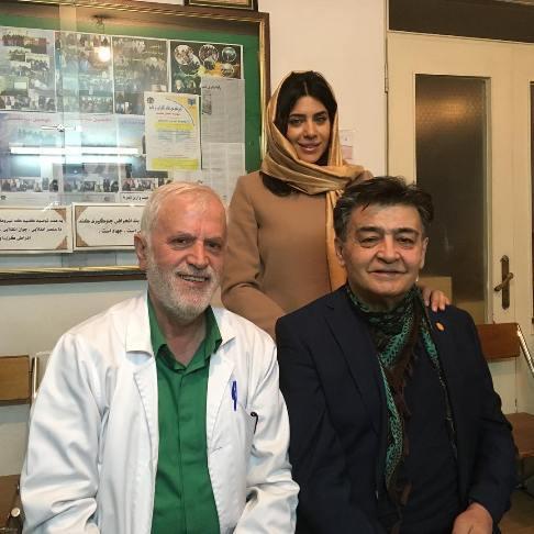 رضا رویگری و همسر جوانش در مطب دکتر
