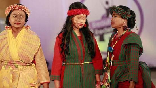 مدل لباس جالب از دخترانی که قربانی اسید شده اند (+تصاویر)