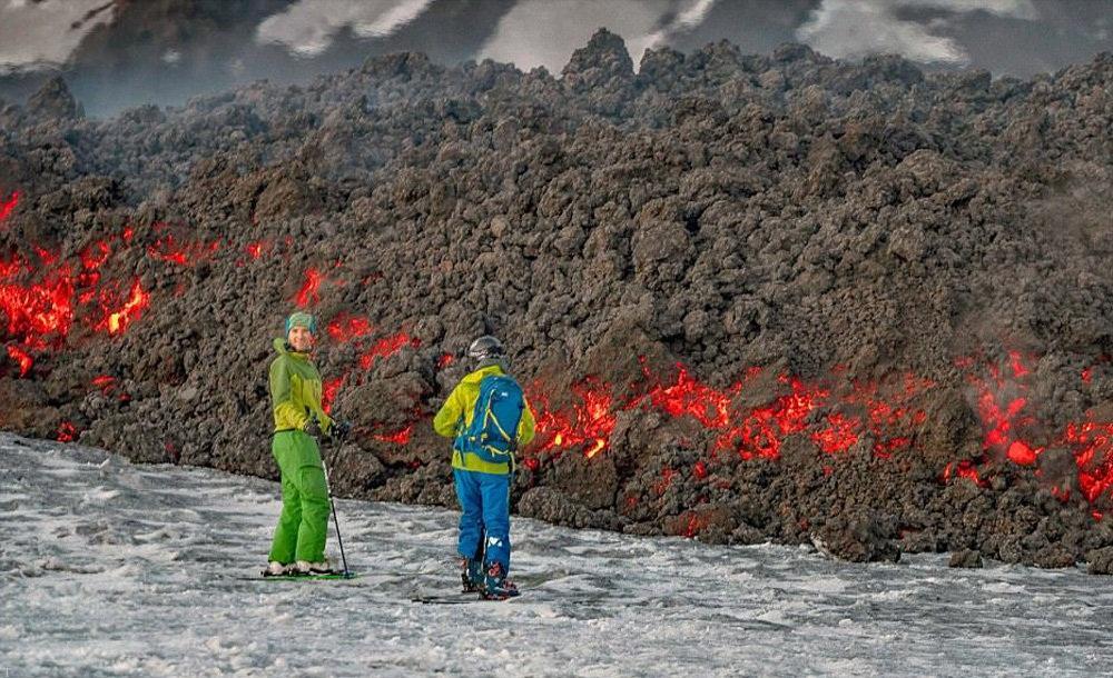 تصاویری دیدنی از اسکی بازی در کنار کوه آتش فشان