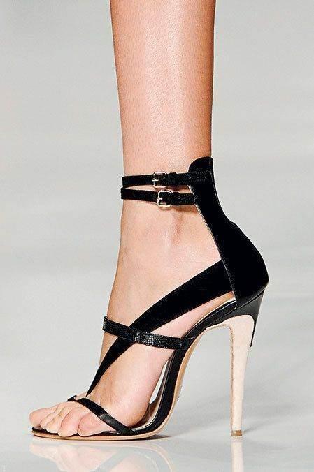 انواع مدل های جذاب کفش های دخترانه و زنانه (18)