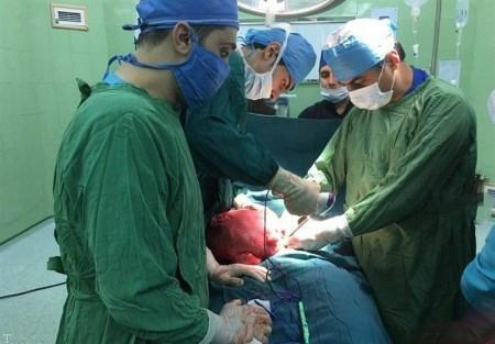 پیدا شدن توده 6 کیلویی در شکم یک زن + عکس