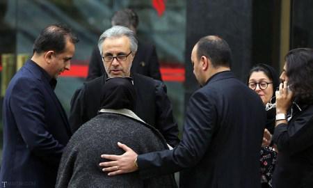 گزارشی از مراسم خاکسپاری مرحوم عارف لرستانی به همراه بازیگران