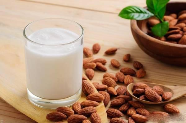 فواید شیر بادام را بدانید