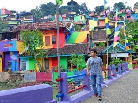تبدیل شدن روستای مخروبه به زیباترین روستا در اندونزی