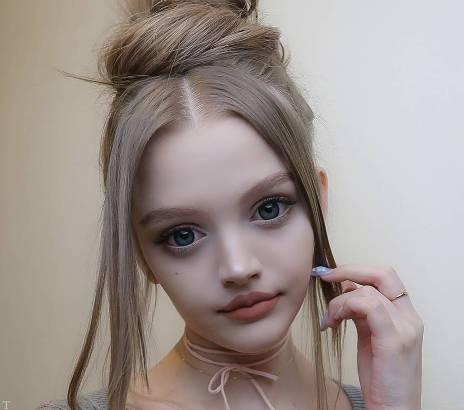 آشنایی با زیباترین دختر جهان بدون عمل (+عکس)