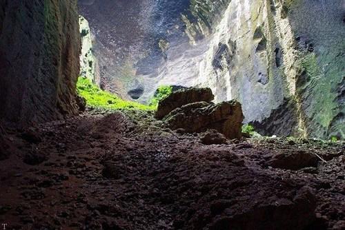 تصاویری عجیب ترین غاری که تا به حال دیده شده