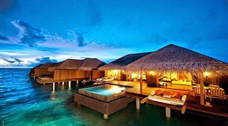 سفر به مالدیو مشهور به «سرزمینی فیروزهای»