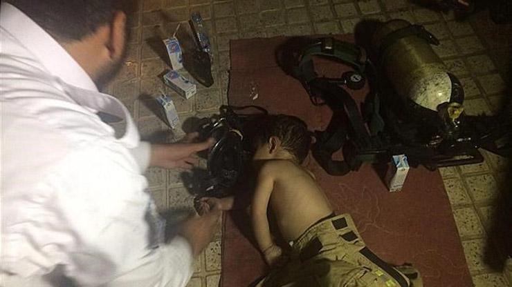 عملیات نجات 2 کودک در مسعودیه تهران (عکس)
