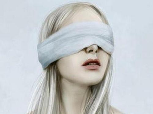 ۲۸ سال تظاهر به نابینایی این زن