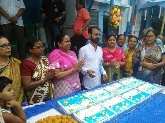 جشن تولد لیونل مسی در هندوستان (عکس)