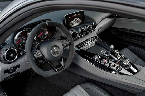 دو ابرخودروهای آلمانی پورشه 911 GT3 و مرسدس ایامجی GTR
