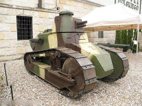 تولید اولین تانک مدرن جهان (عکس)