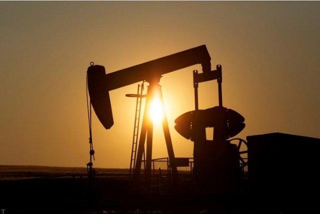 کاهش چشم گیر قیمت نفت در بازار جهانی