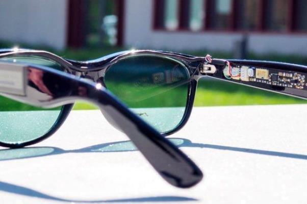 تولید برق توسط  عینک آفتابی
