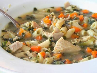 آموزش تهیه سوپ پاستا و مرغ