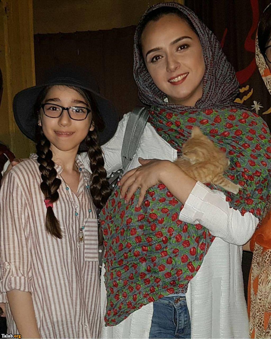 حضور ترانه علیدوستی و گربه اش در کنار هوادار (عکس)