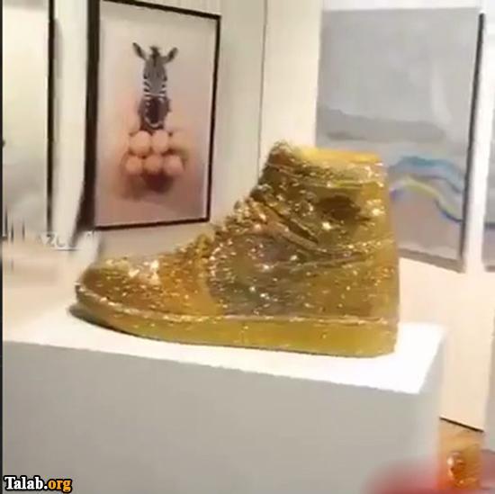 کفشی از طلا و الماس
